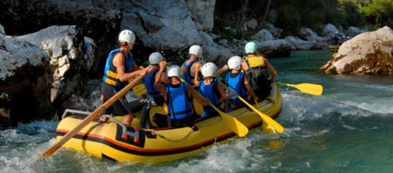 rafting sulle rapide in Costa Rica 800x353 - Rafting sulle rapide in Costa Rica: divertimento e avventura