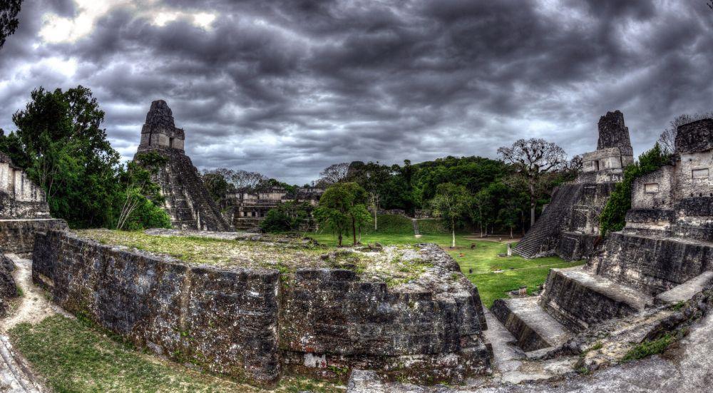 Il Tempio del Giaguaro a Tikal